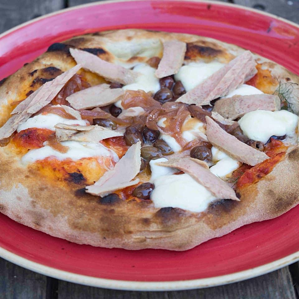 pizzeria riccione hops pizza con olive